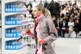 chanel-shopping-center-PFW-fw-14-13