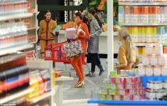 chanel-shopping-center-runway-fw-2104-15-1