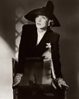 horst_marleneMarlene Dietrich, New York, 1942. © Condé Nast:Horst Estate